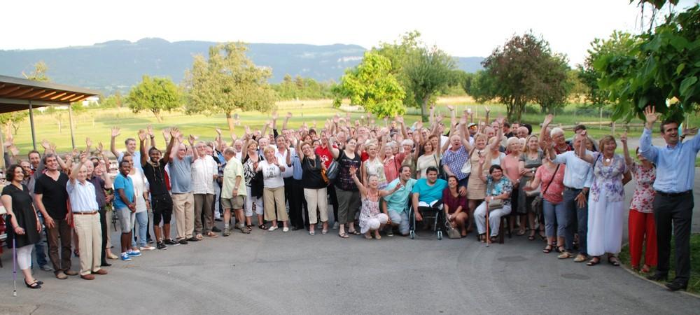 L'ensemble des bénévoles réunis dans la cour du centre aéré pour une photo souvenir de ce sympathique vendredi 13.