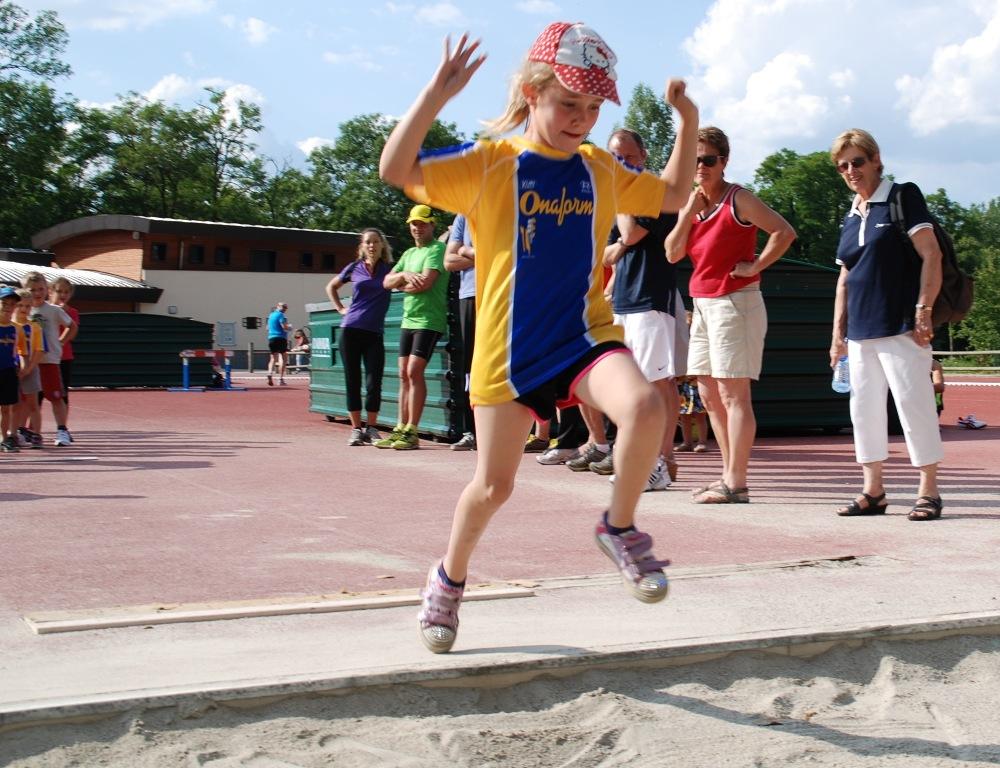 Sous forme d'ateliers, les jeunes s'initieront entre autres au saut en longueur