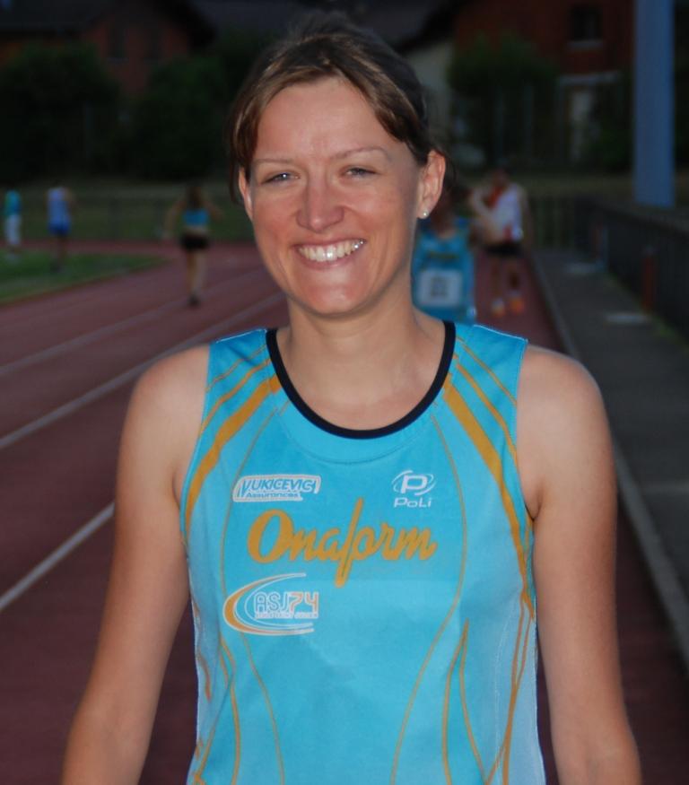 Tout sourire Alexandra sera ce vendredi au départ du 4 x 400m à Annecy.