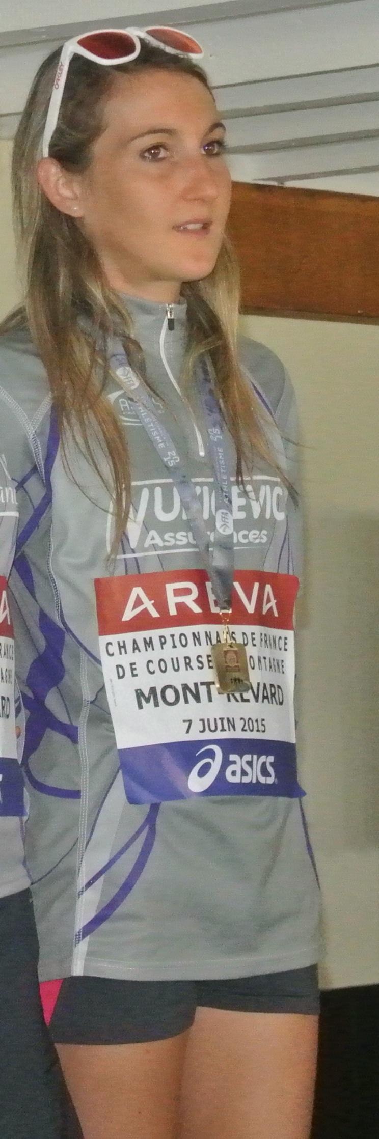 Récente médaillée au France, Adélaïde tentera de ne pas trop regarder la tête de course de loin.